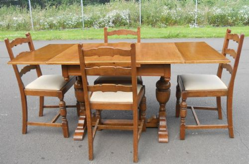 Oak Dining Suite (Table & Four Chairs)